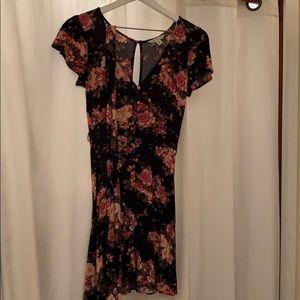 American Eagle Tie Waste Floral Dress